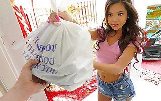 Sexy sushi delivery babe Vina Sky gets extra bonus for some fetish stuff