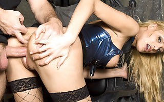 MISTRESS TEEN STACEY GETS ROUGH ANAL SEX FROM OWN SLAVE AT Innings