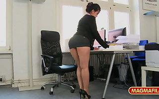 Short skirt office floosie fucked at mandate for a raise
