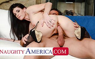 Naughty America - India Summer gets regarding elbow her husband