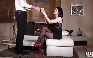 Get take note some epic foot fetish Hardcore fucking roughly sweetie Lady Dee