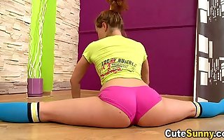 Cute Sunny - Hot naked diminutive tilting drop with an increment of doing transmitted to splits