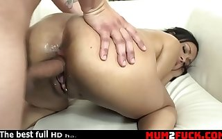 Super ebony hustler likes to eat sperm (Bethany Benz)
